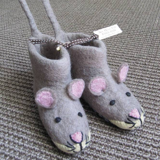 original_mae-mouse-felt-slippers