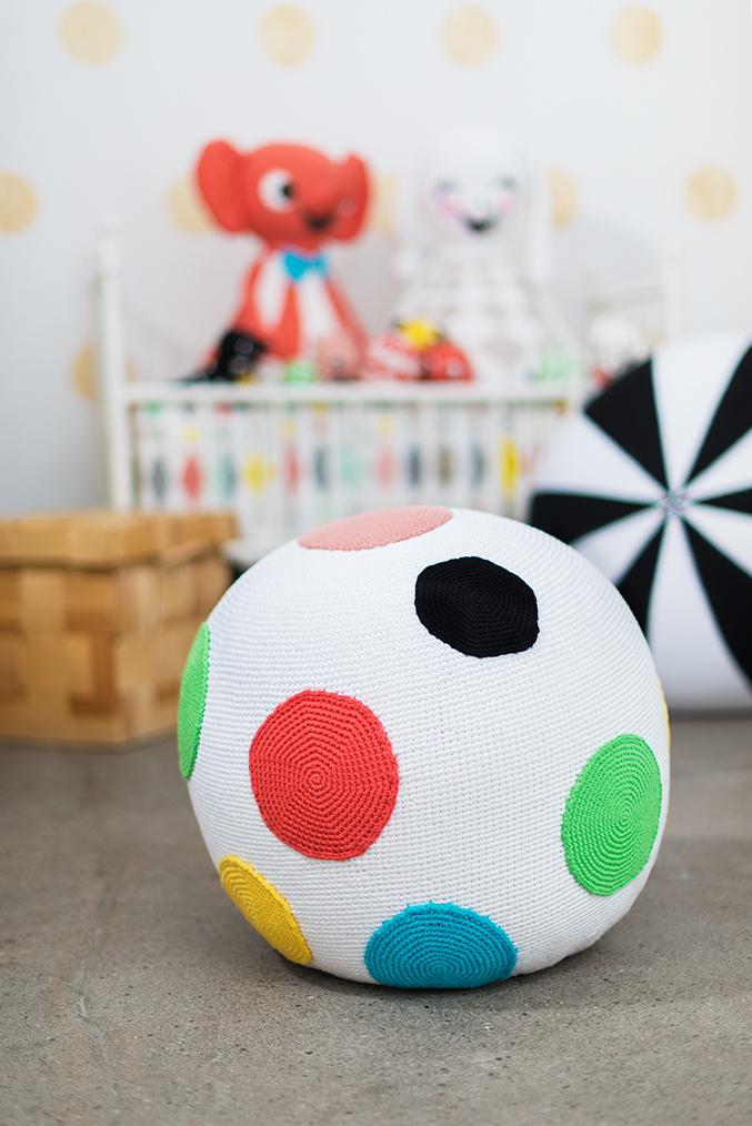 Littlephant_crochet_pouf_2014