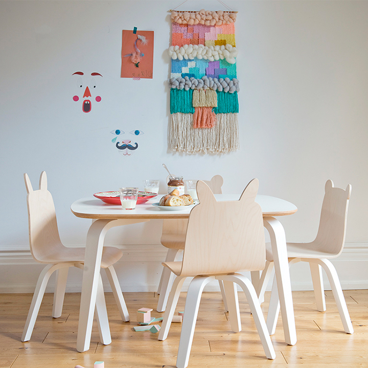table-and-chairs-snacks_1